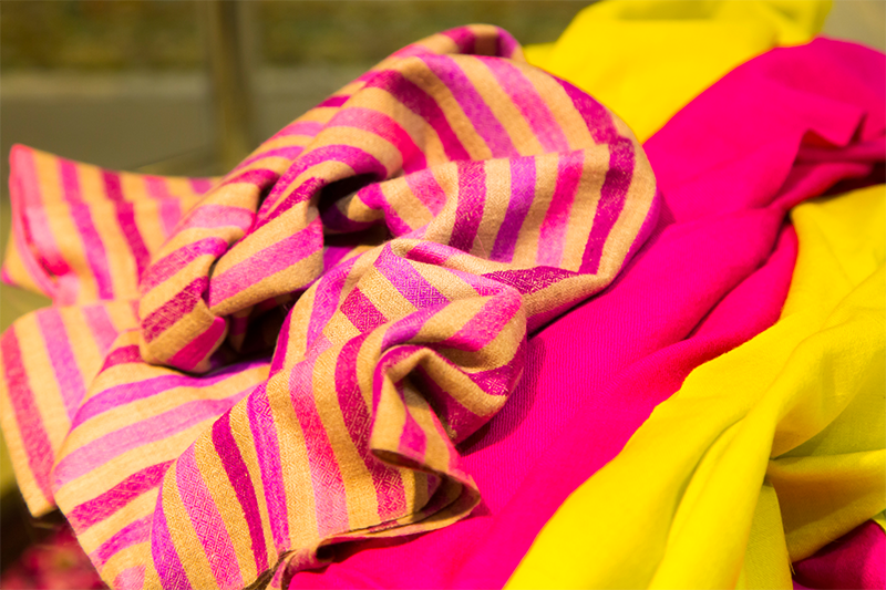 Choosing pashmina for summer - Get a one-ply summer pashmina