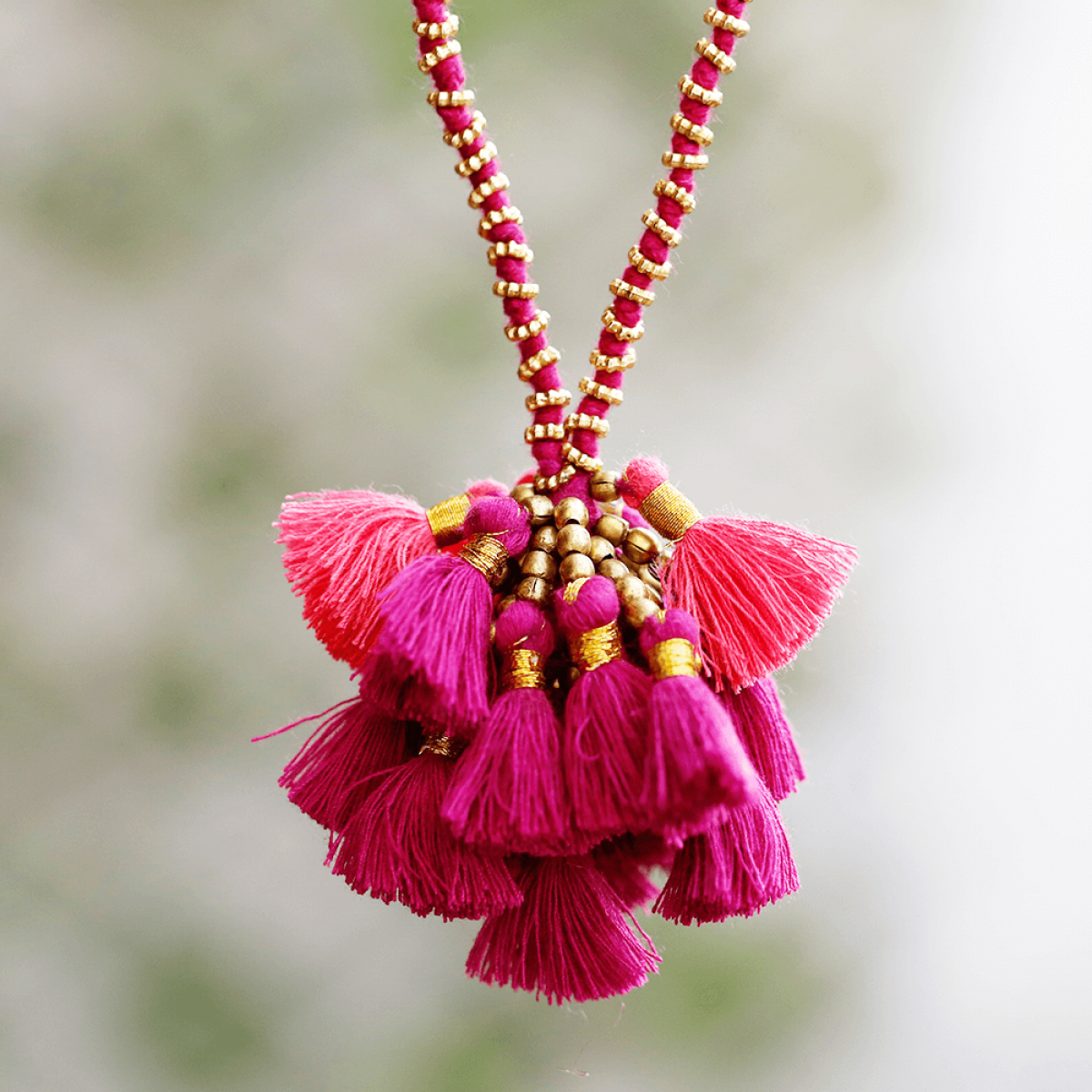 Tassels long necklace maroon