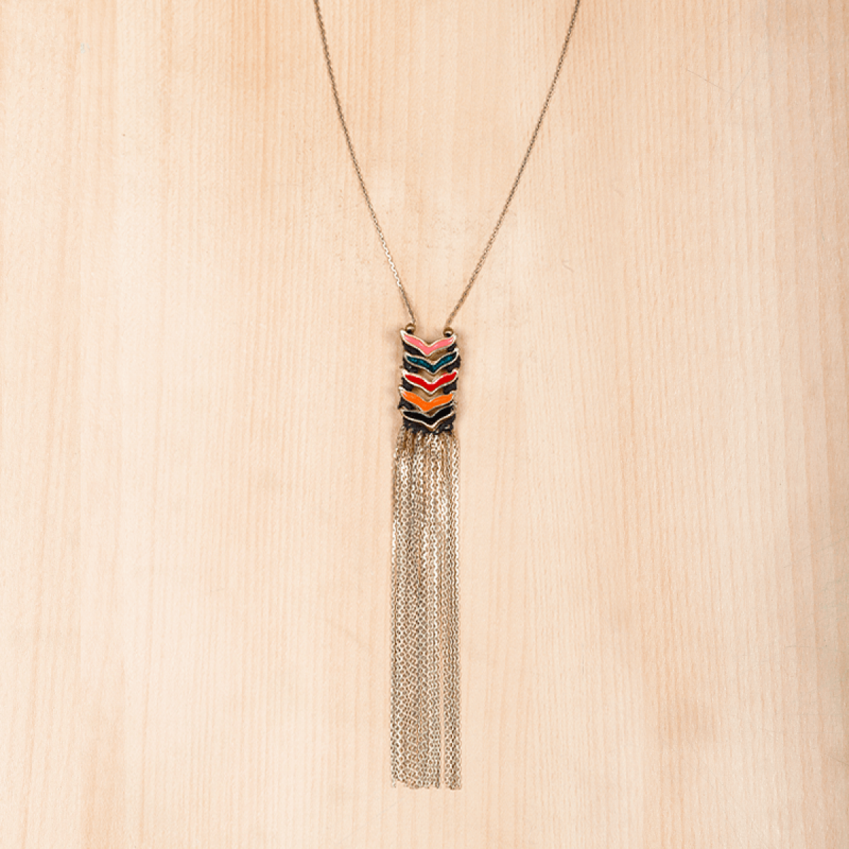 Long metal string pendant necklace